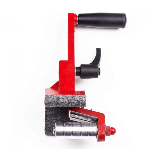 Adjustable pipe reamer